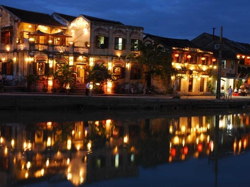 Hội An là một trong những thành phố kênh đào đẹp nhất thế giới.
