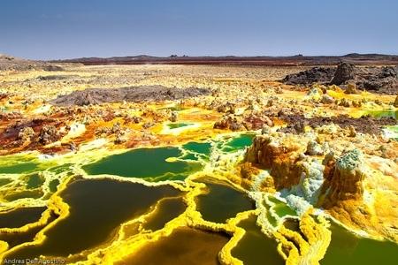 Những màu kỳ lạ trên miệng núi lửa Dallol