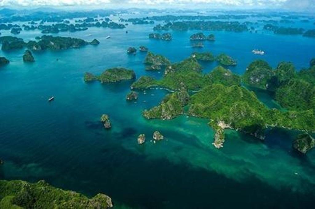 Vẻ đẹp vùng vịnh chụp từ thủy phi cơ