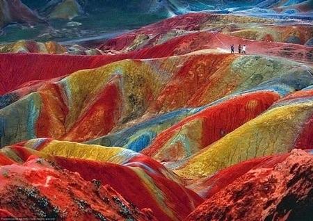 Màu sắc kỳ ảo của những dãy núi thuộc công viên địa chất