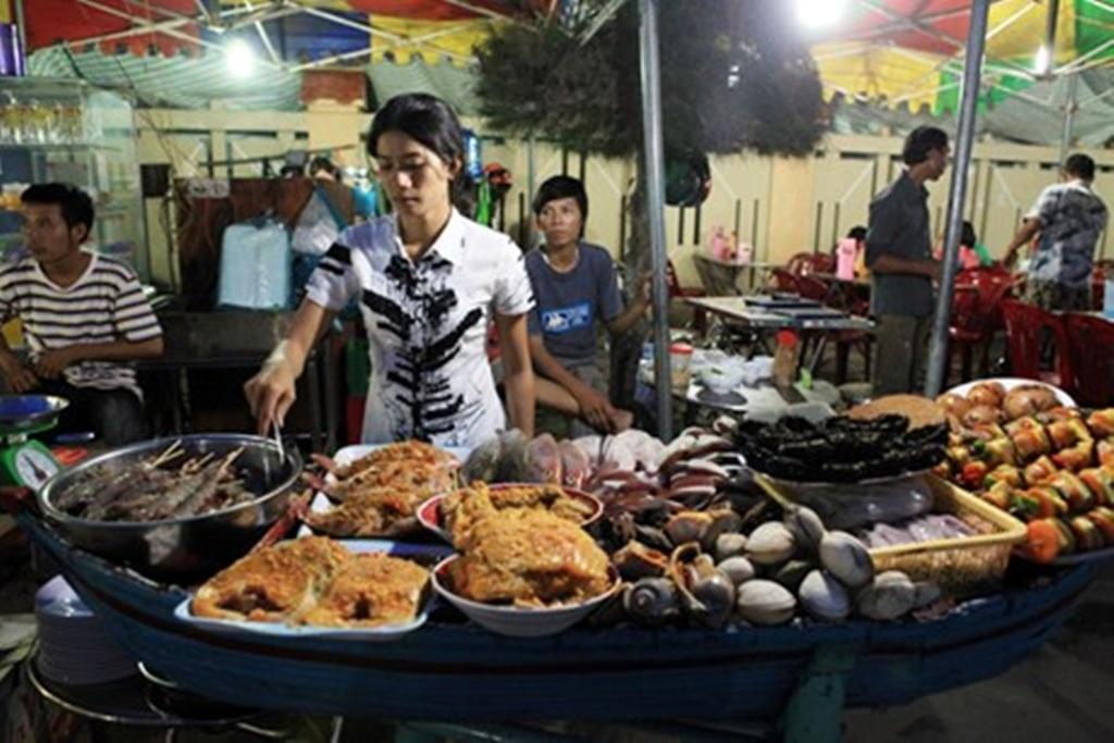 Chợ hải sản tươi sống của đảo