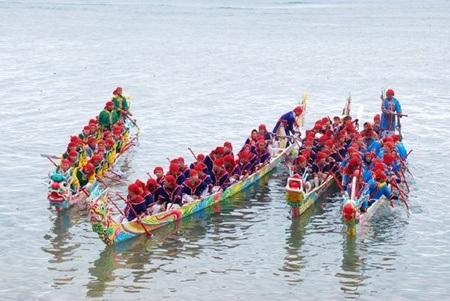 Đua thuyền ngày xuân đã trở thành một phần trong nét văn hóa người dân vùng biển.