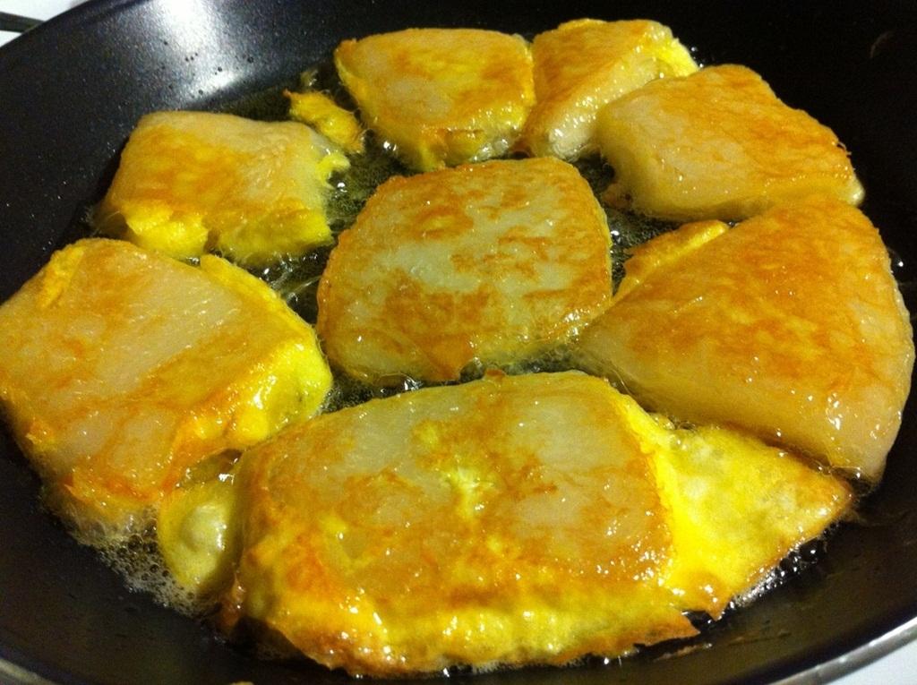Món canh Tteokguk thường được ăn kèm cùng kim chi