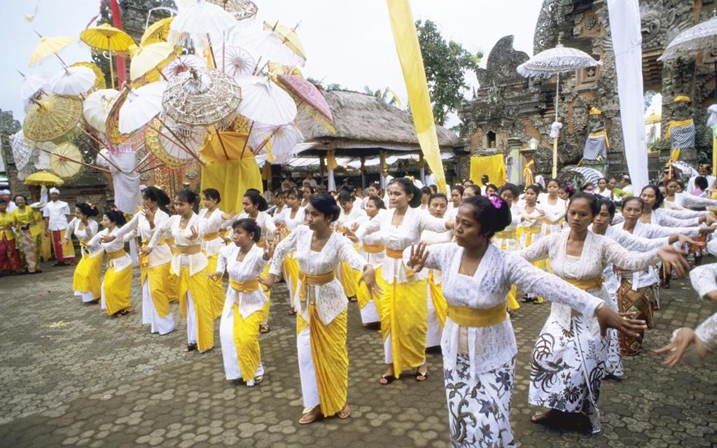 Trang phục Kebaya ở đảo Bali,Indonesia