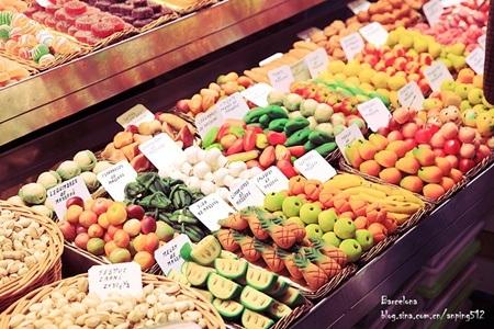 Các quầy hàng bắt mắt tại khu chợ hấp dẫn nhất Châu Âu