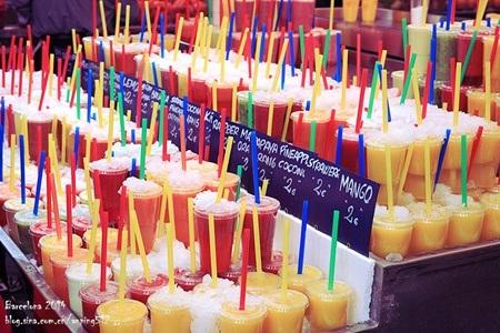 Nước ép hoa quả tươi có giá khoảng 1-2 Euro/cốc tùy từng loại