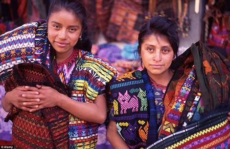 Phụ nữ Maya nổi tiếng với những thiết kế may mặc có họa tiết hình zic-zac.