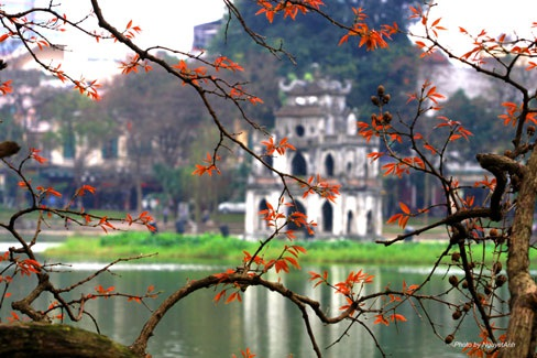 Sắc xuân Hồ Gương (ảnh: Nguyệt Ánh).