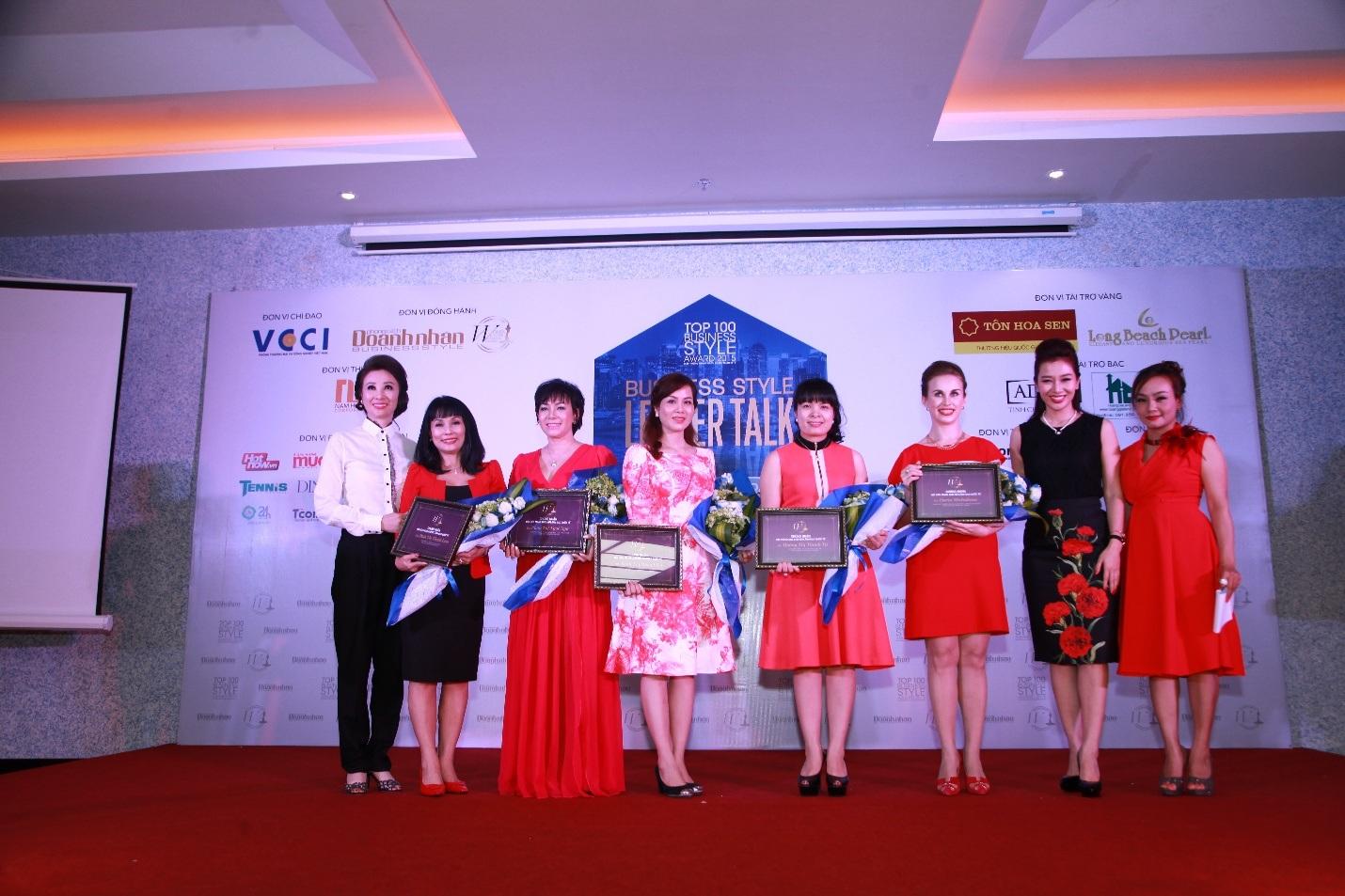 Á hậu Quý bà Thế giới Thu Hương ra mắt mạng lưới Nữ lãnh đạo quốc tế tại Nha Trang.