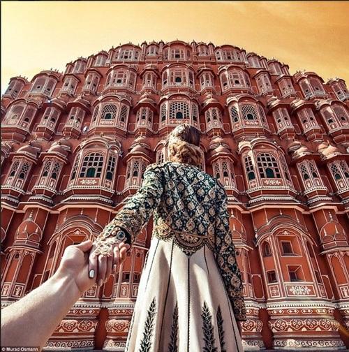 Cung điện của gió Hawa Mahal nằm tại thành phố hồng Jaipur.