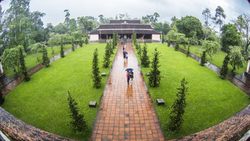 Đây là một trong những kiến trúc tôn giáo cổ nhất, cũng là thắng cảnh đẹp nhất ở Huế.