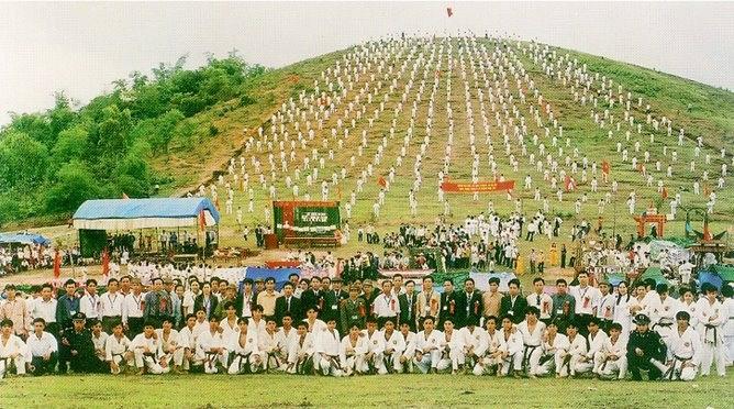 Các môn sinh của võ đường Ngọc Hòa.