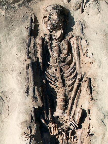 Hài cốt của một nam thanh niên 19 tuổi ở Amarna. Ảnh: Internet.