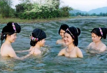 """Những kiểu """"tắm tiên"""" khác nhau trong văn hóa phương Đông"""