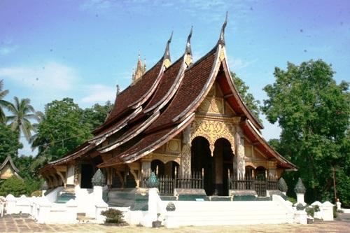 Có rất nhiều ngôi chùa đẹp nằm trong trung tâm thành phố.
