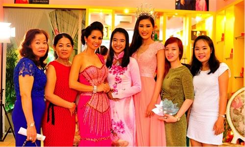Hoa hậu Bích Liên – Nhà sáng lập Dược mỹ phẩm EV Princess và BL Miracle.