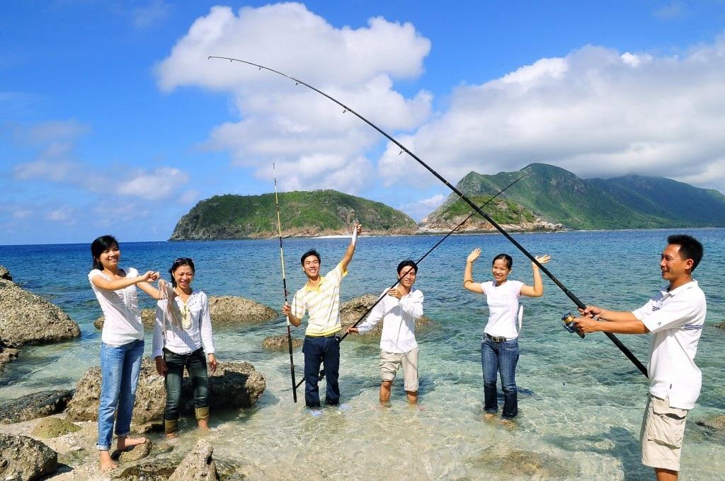 Đến Phú Quốc, bạn không nên bỏ qua thú vui câu cá, đó là một trải nghiệm tuyệt vời.