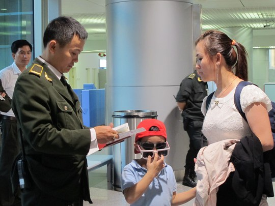 Bí kíp vàng để qua cửa an ninh sân bay nhanh chóng