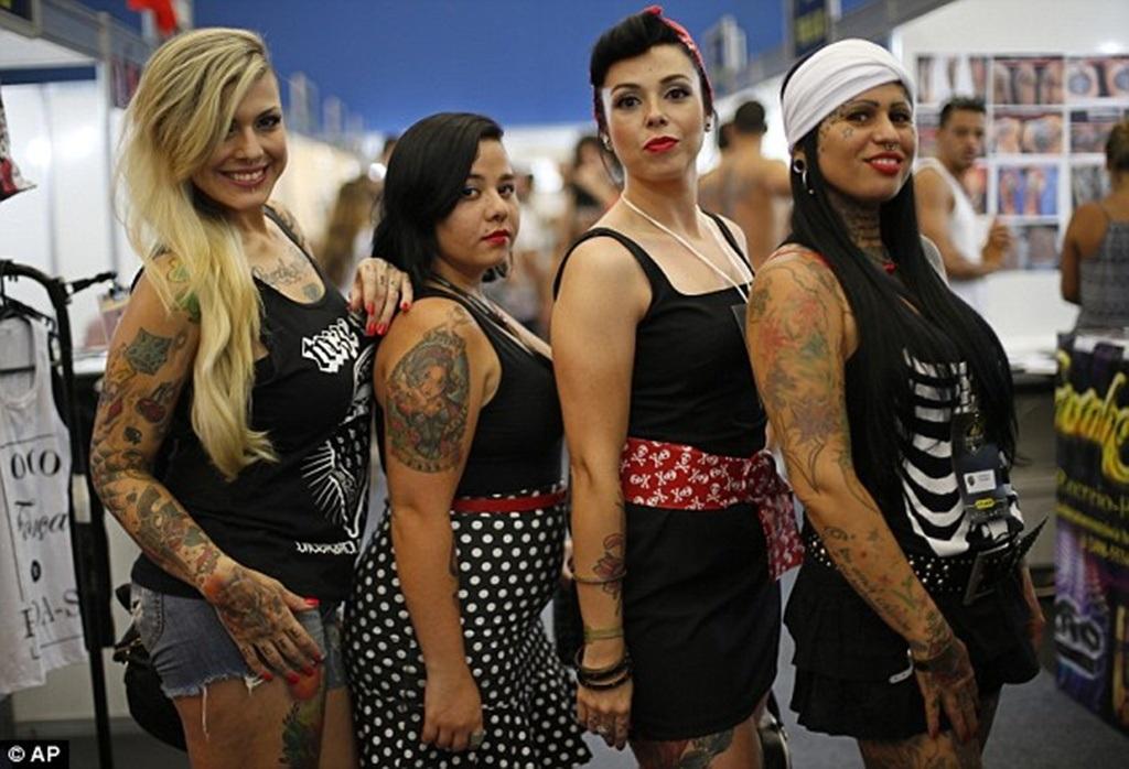 Các cô gái khoe nét cá tính