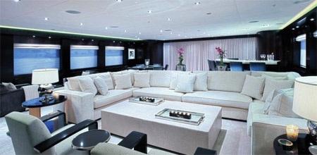 Phòng giải trí với gam màu nền nã.
