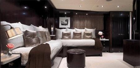 Phòng đôi dành cho khách tuy không sang trọng như phòng VIP, nhưng cũng rất tiện nghi và thoải mái.