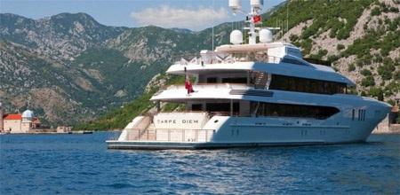 Du thuyền này được gắn hai động cơ Caterpillar 3516B Series II HD.