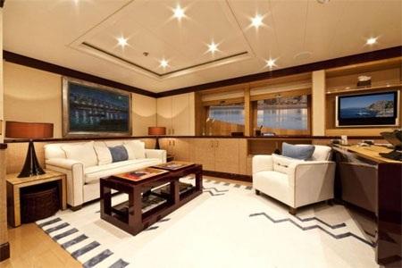 Phòng trà này cũng có không gian để làm việc và nghỉ ngơi riêng tư.