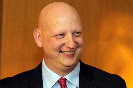 Nhà quản lý quỹ: Steve Kuhn (ảnh)