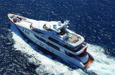 Du thuyền này Allegria có 3 tầng…