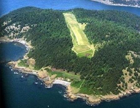 Đảo Allan Island nhìn từ trên cao.