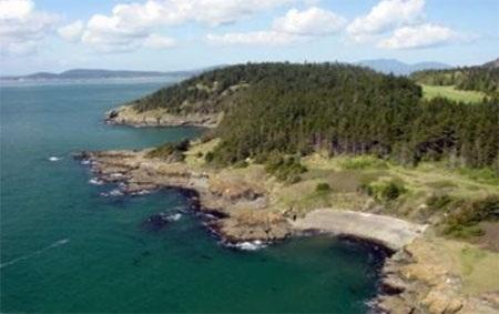 Cái tên Allan của hòn đảo được đặt theo một vị anh hùng Hải quân Mỹ.