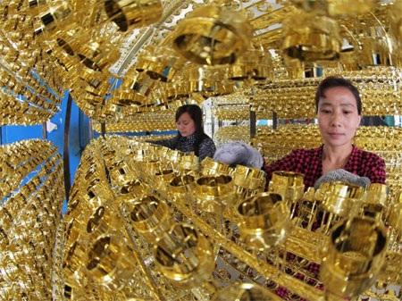 Mức dự trữ vàng: 1.054,1 tấn