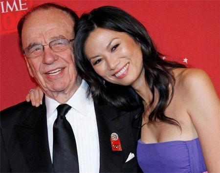 Tỷ phú Murdoch và vợ ba Wendi Deng khi còn chưa ly dị.
