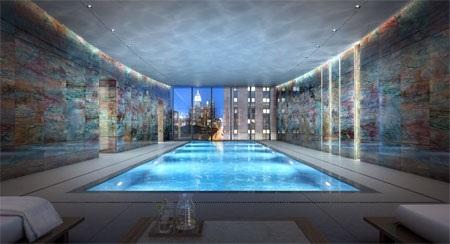 Bể bơi rộng lớn của căn nhà.
