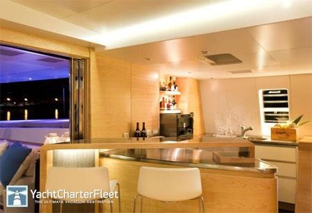 Phòng bếp tiện nghi, nơi chế biến nhiều món ăn ngon.