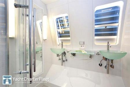 Mỗi phòng ngủ đều có phòng tắm khép kín.