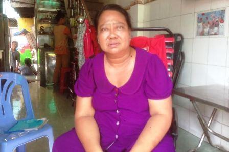 Căn nhà nơi vợ chồng bà Phước và những ngườ thân sinh sống giờ thành đống đổ nát sau tai nạn.