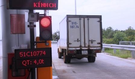 Tính đến chiều 20/7, VEC E cho biết đã có 172 xe quá tải (trong số 1004 xe được cân, chiếm 17%).