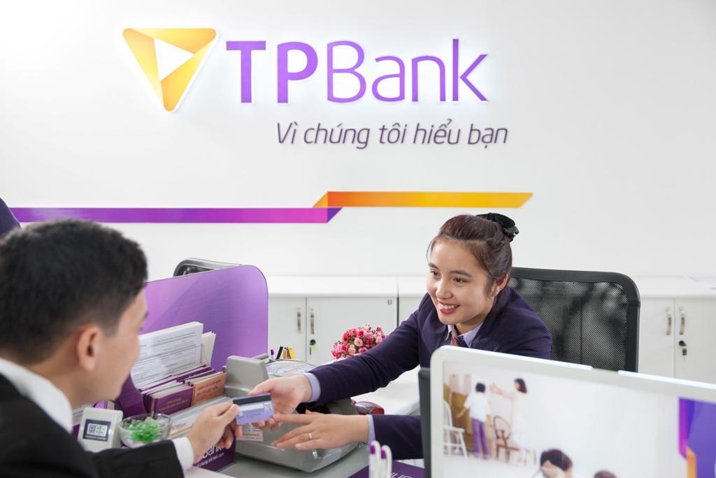 """TPBank - """"Ngân hàng Bán lẻ Tốt nhất Việt Nam 2015""""."""