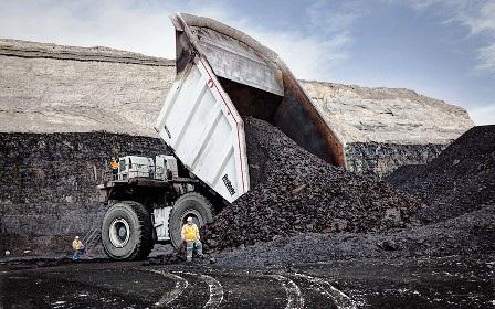 Chiếc xe tải lớn nhất thế giới được sử dụng trong công việc khai thác mỏ có thể chở được 470.4 m