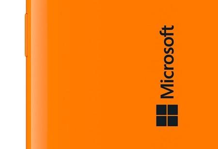 Hình ảnh smartphone mang logo Microsoft được chia sẻ cách đây 2 tuần
