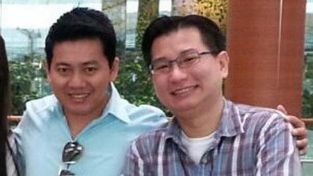 Anh Phạm Văn Thoại vui vẻ chụp ảnh cùng Gabriel Kang, người đã ủng hộ anh rất nhiều thời gian qua