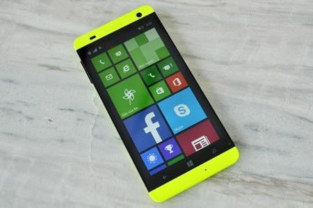 FPT Win với giao diện đặc trưng của hệ điều hành Windows Phone.