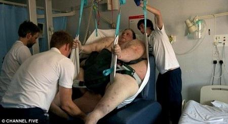 Keith Martin cần sự giúp đỡ đặc biệt để đến bệnh viện phẫu thuật và điều trị