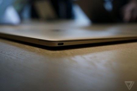 Cổng USB Type-C thực hiện toàn bộ các chức năng cổng kết nối trên MacBook