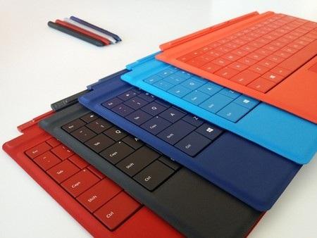 Bàn phím và viết stylus có nhiều màu sắc khác nhau để lựa chọn