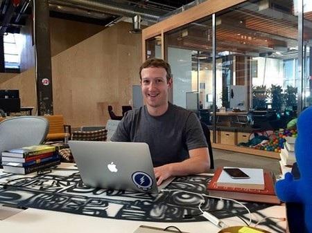 Mark Zuckerberg đã chia sẻ nhiều dự định về Facebook cũng như những thông tin cá nhân về bản thân