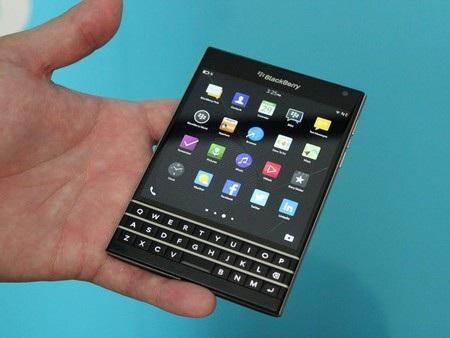 So sánh Bphone với loạt smartphone có cùng cấu hình trên thị trường