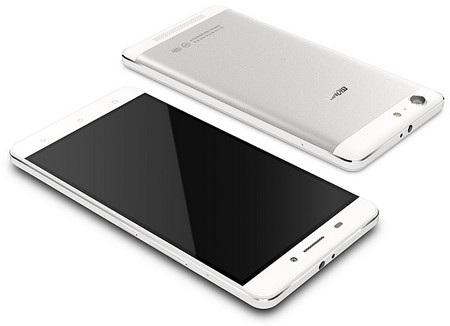 Sản phẩm nổi bật với pin lớn tương đương nhiều máy tính bảng cỡ nhỏ