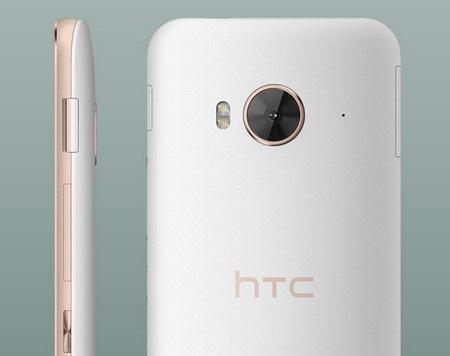 Mặt sau của sản phẩm là camera 20 megapixel với đèn flash LED kép 2 tông màu